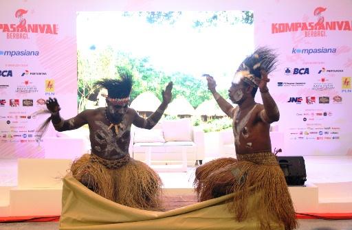 Aksi Tari Suku Kamoro