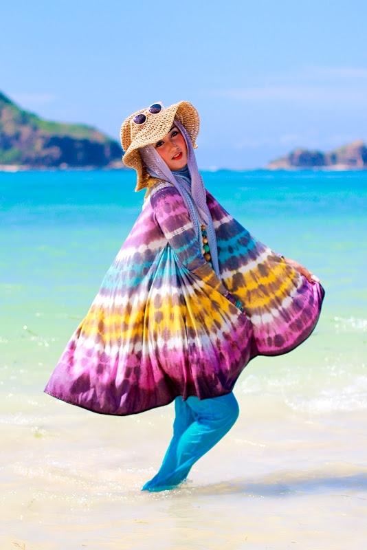 Traveling Ke Pantai Ini Tips Busana Untuk Hijabers Oleh Ade Ayu Fitri Atmaja