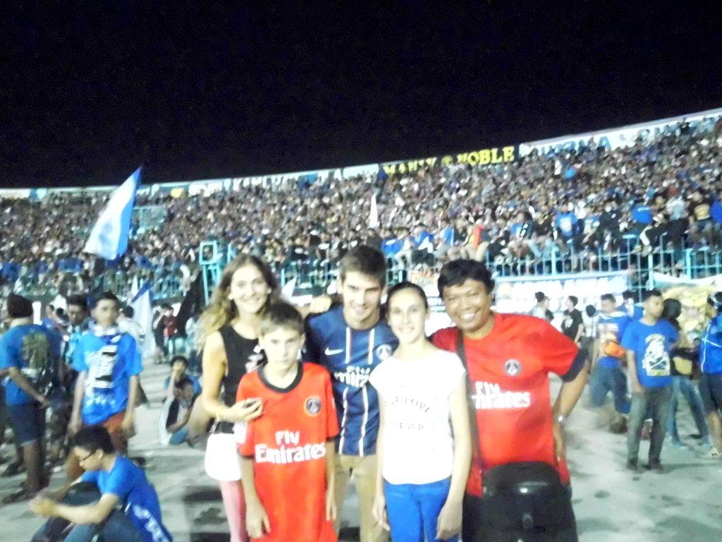 Ultah Arema Fans PSG Di Kandang Singa Halaman 1