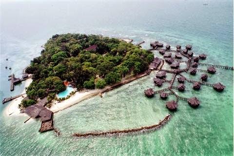 Wisata Ke Pantai Pulau Woyo