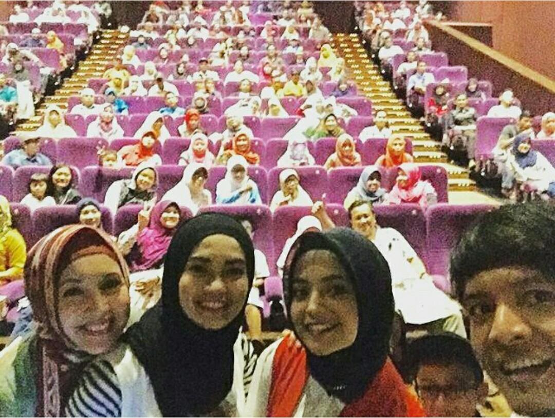 Euforia Nonton Bareng Film Kalam Kalam Langit Di Bioskop Lem