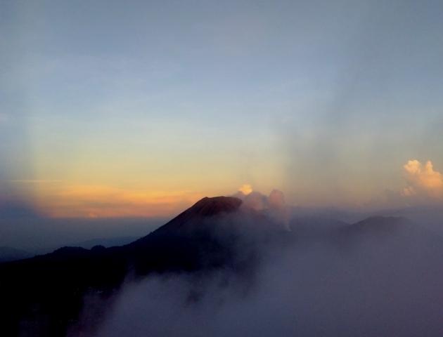 Wisata Ke Gunung Mahawu