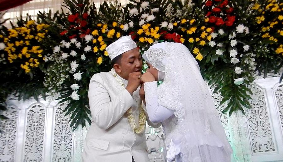 Pernikahan Adat Sunda Dan Makna Prosesinya Halaman All Kompasiana Com