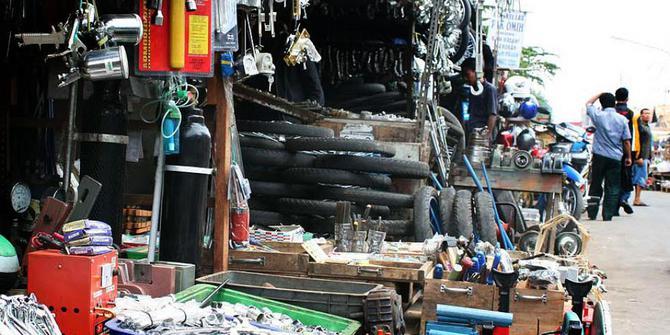 Pasar Poncol yang Tetap Menonjol oleh Adhe Unyu - Kompasiana.com 7a4941d126