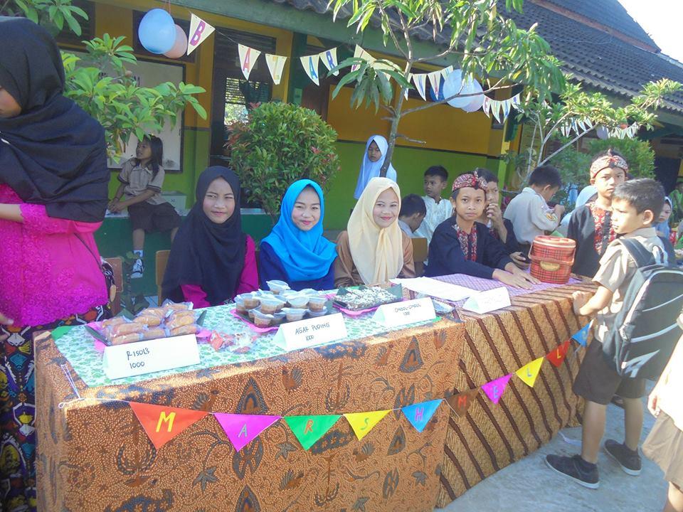 Bazar Jajanan Tradisional Sdn Gudang 2 Cikalongkulon Kompasiana Com