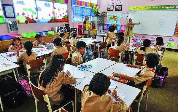 Penerapan Uu Pendidikan Di Indonesia Tidak Sesuai Oleh Voni R