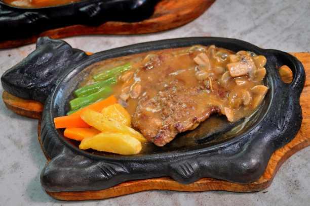 cara membuat saus steak simple 5a0042e8a208c0651f374cb5