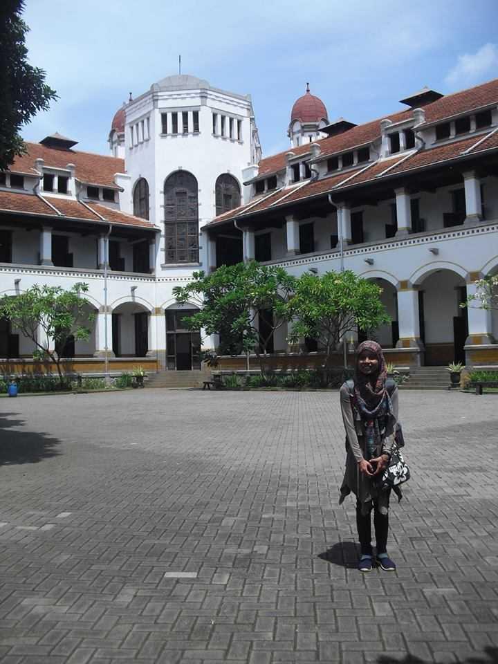 Berjalan Dari Lawang Sewu Sampai Masjid Ungu Di Semarang