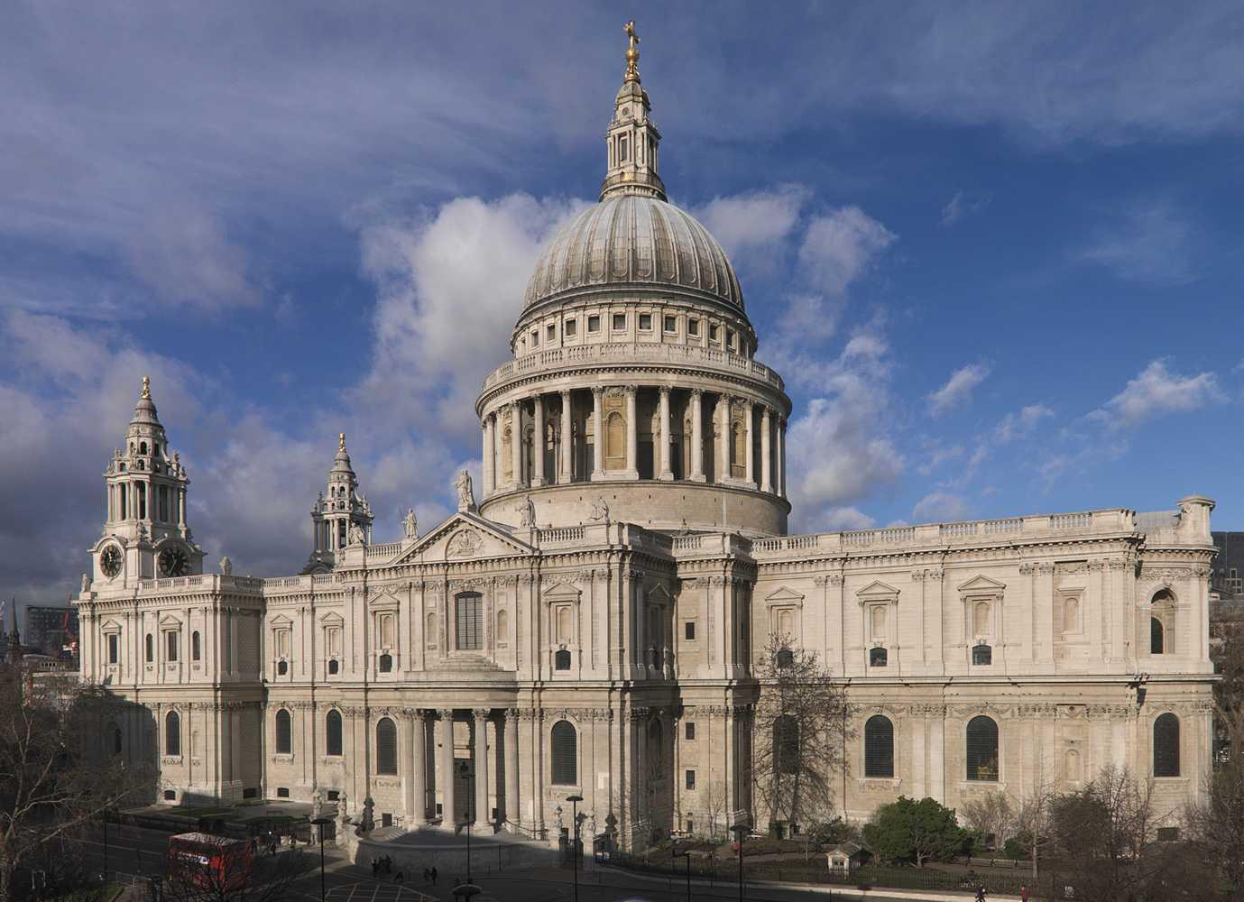 """Bangunan-bangunan Bersejarah di Dunia yang Nyaris """"Dihilangkan"""