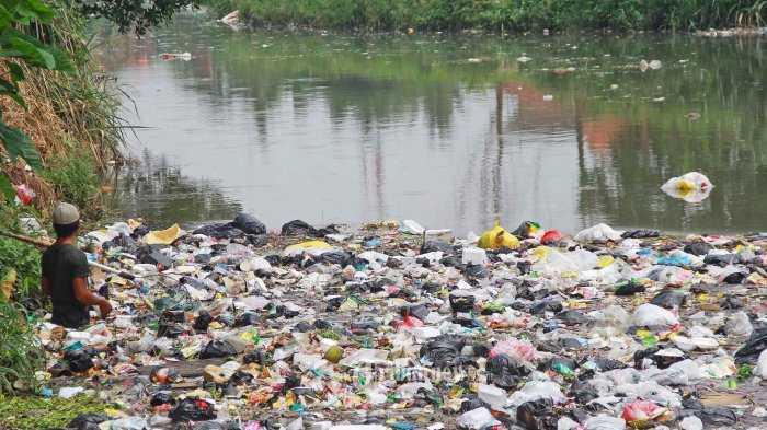 Alasan Kita Masih Buang Sampah Di Sungai Menurut Kajian Filsafat Arsitektur Halaman All Kompasiana Com