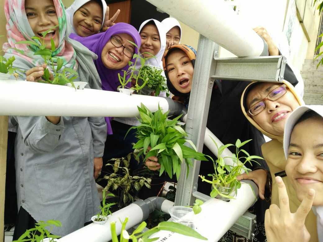 Program Adiwiyata Mewujudkan Sekolah Peduli Lingkungan Kompasiana Com