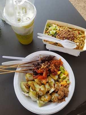Happy Kuliner Di Kampoeng Tempo Doeloe La Piazza Kelapa Gading