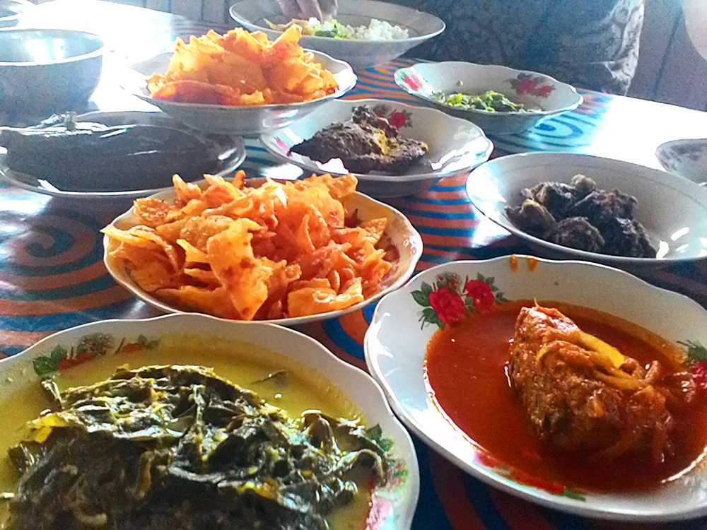 10 Menu Makanan yang Cocok Disantap Saat Jam Makan Siang - dpifoto.id
