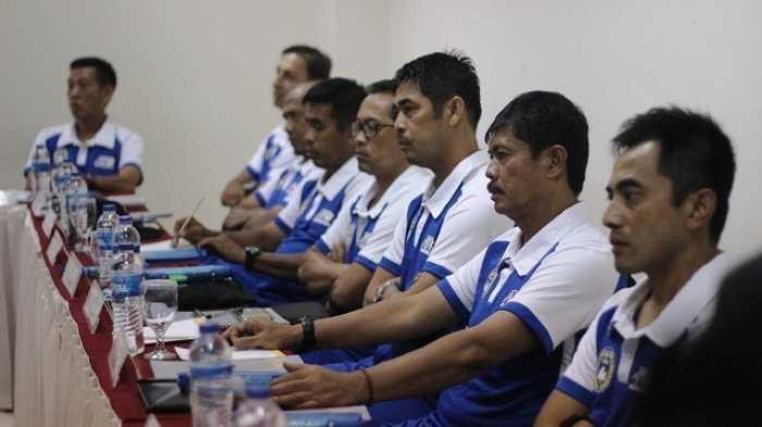 Jalan Panjang Menjadi Pelatih Sepak Bola Di Indonesia Halaman All Kompasiana Com