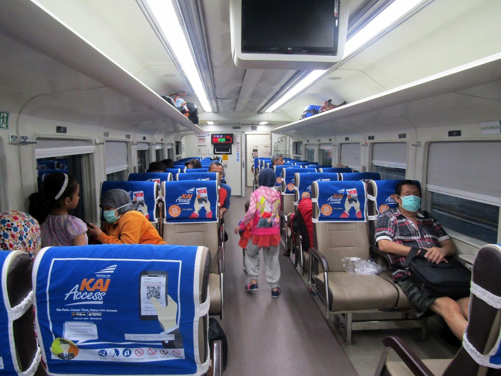 Antara Kereta Api Ekonomi Premium Dan Bisnis Pilih Mana Lodaya Oleh Ikrom Zain Halaman All