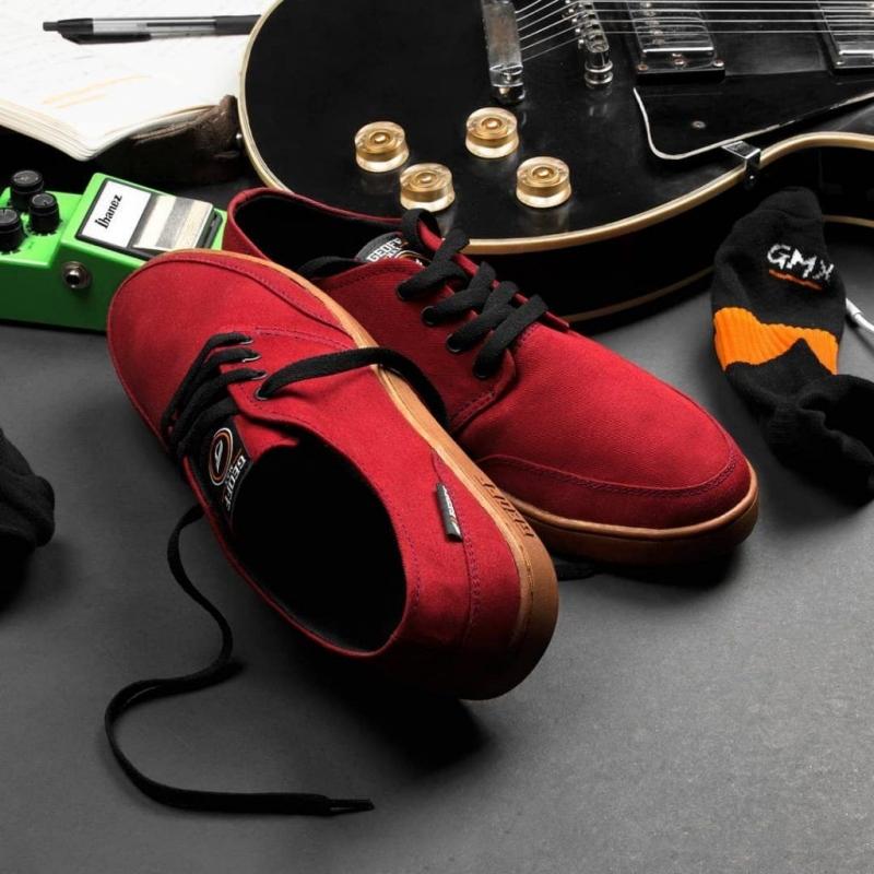 Mengenal Sneakers Brand Lokal oleh setiawan - Kompasiana.com 8d8380bc24