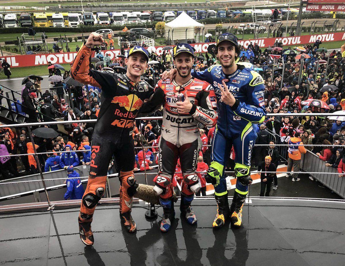 MotoGP Valencia 2018, Dovi Menangkan Balapan Hujan