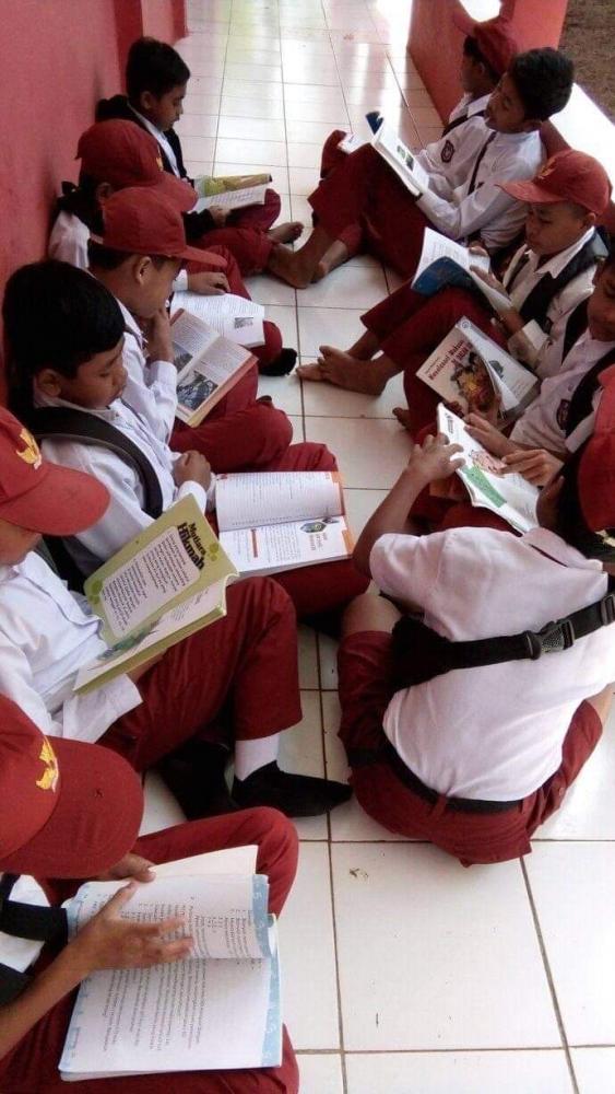 Gambar Kegiatan Anak Sekolah Dasar Pembiasaan Literasi Berkarakter Di Sekolah Dasar Halaman 1 Kompasiana Com