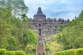 Mengapa Pengunjung Candi Borobudur Wajib Lewat Labirin