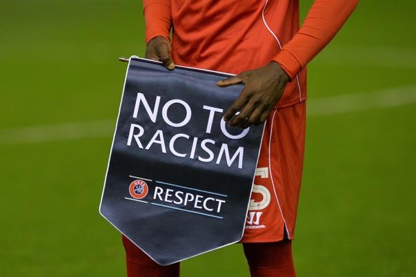 Rasisme dalam sepak bola