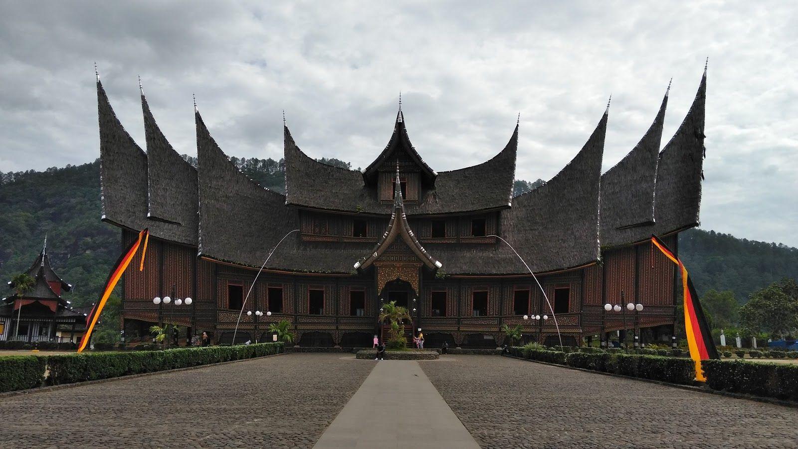 Sumatera Utara Memiliki Rumah Adat Yang Begitu Mempesona