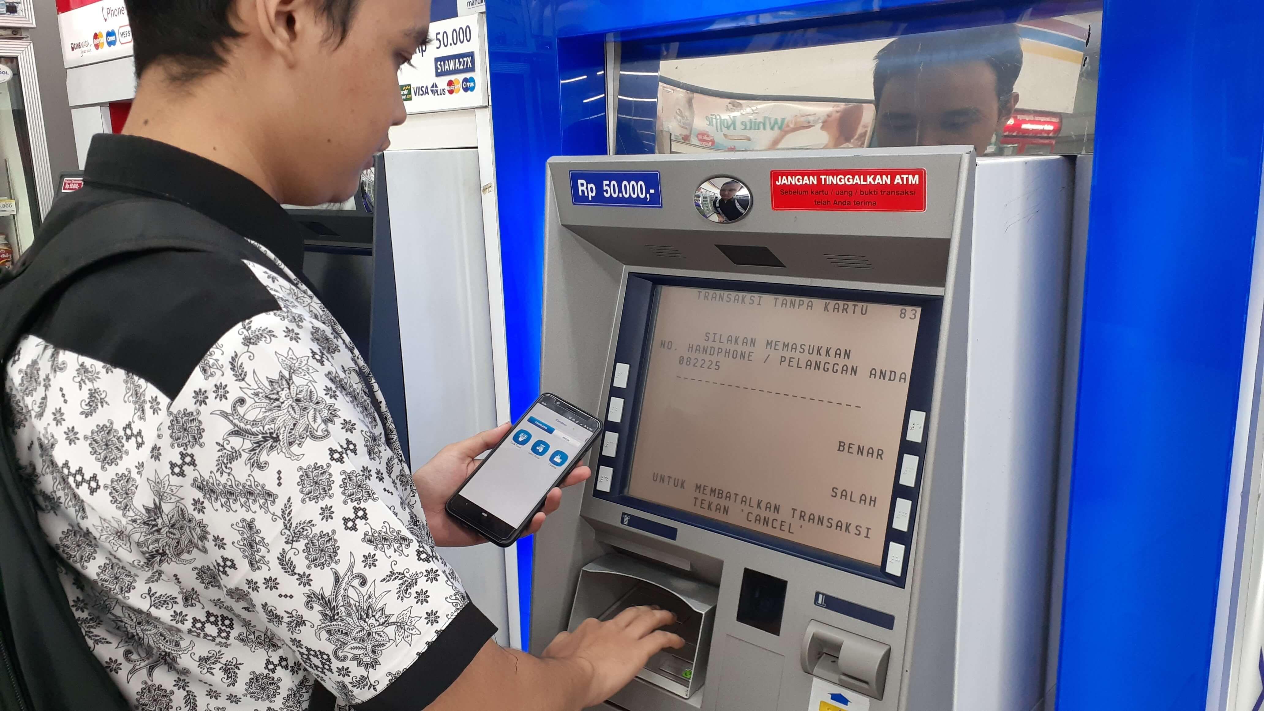 Cara Ambil Uang Di Atm Pakai Smartphone Tanpa Kartu Teknologi Id