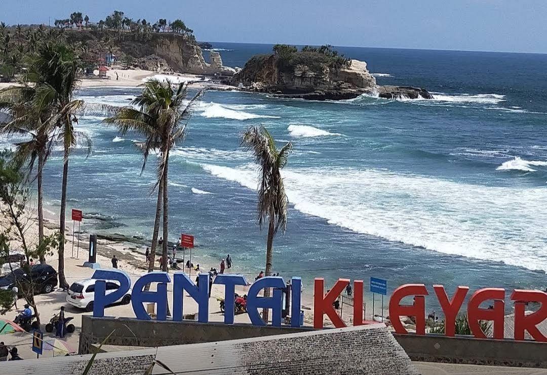 Menikmati Eksotis Pantai Klayar Pacitan - Kompasiana.com