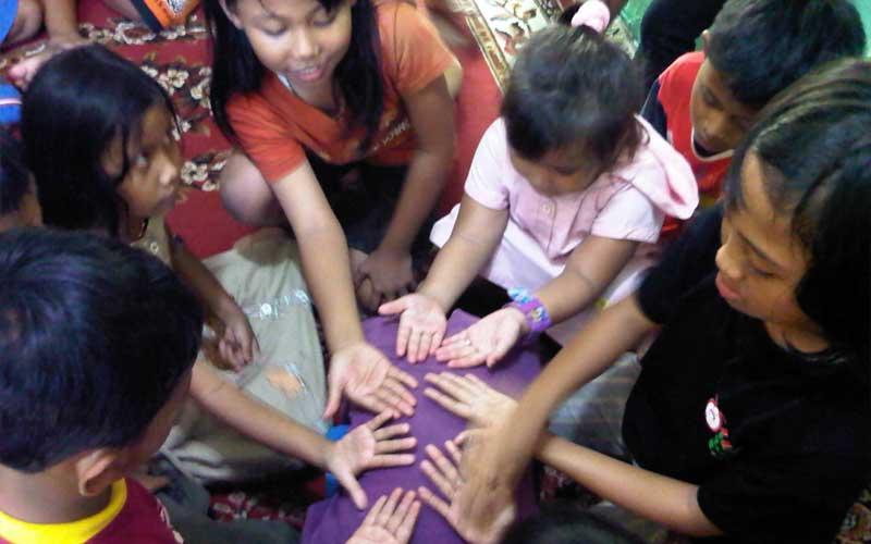 Secuil Kenangan Tentang Cublak Cublak Suweng Kompasiana Com