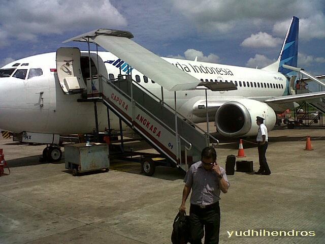 Kenapa Pesawat Harus Transit Di Jakarta Oleh Yudhi Hendro