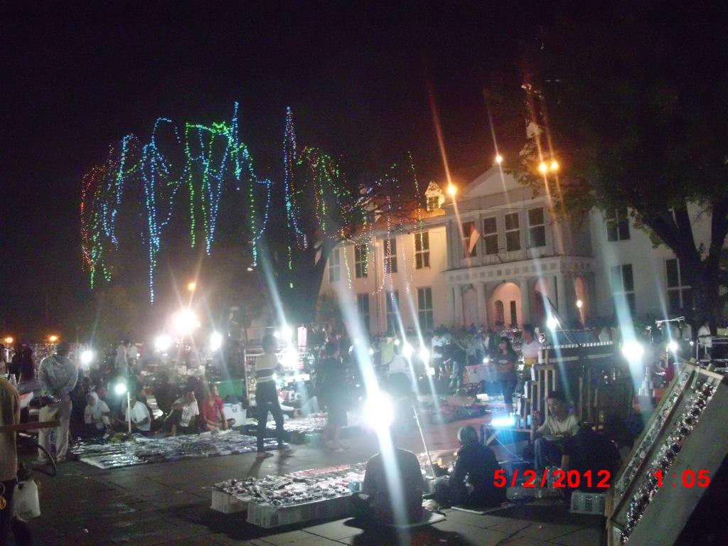 Menikmati Wisata Malam Di Kawasan Kota Tua Oleh Choirul Huda