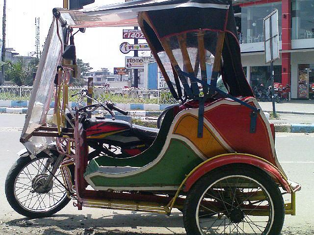 Becak Alat Transportasi Rakyat Yang Berjasa Tapi Dilupakan Oleh