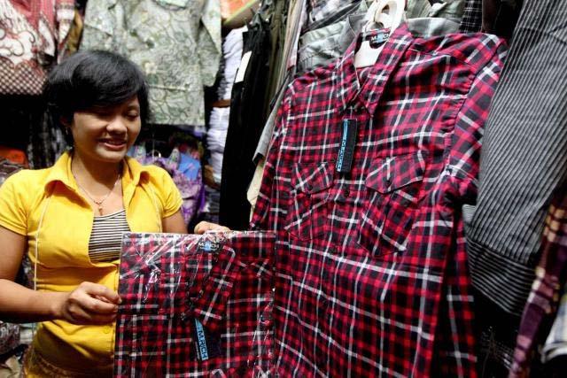 Baju Kotakkotak JokowiAhok oleh Maria G Soemitro  Kompasianacom