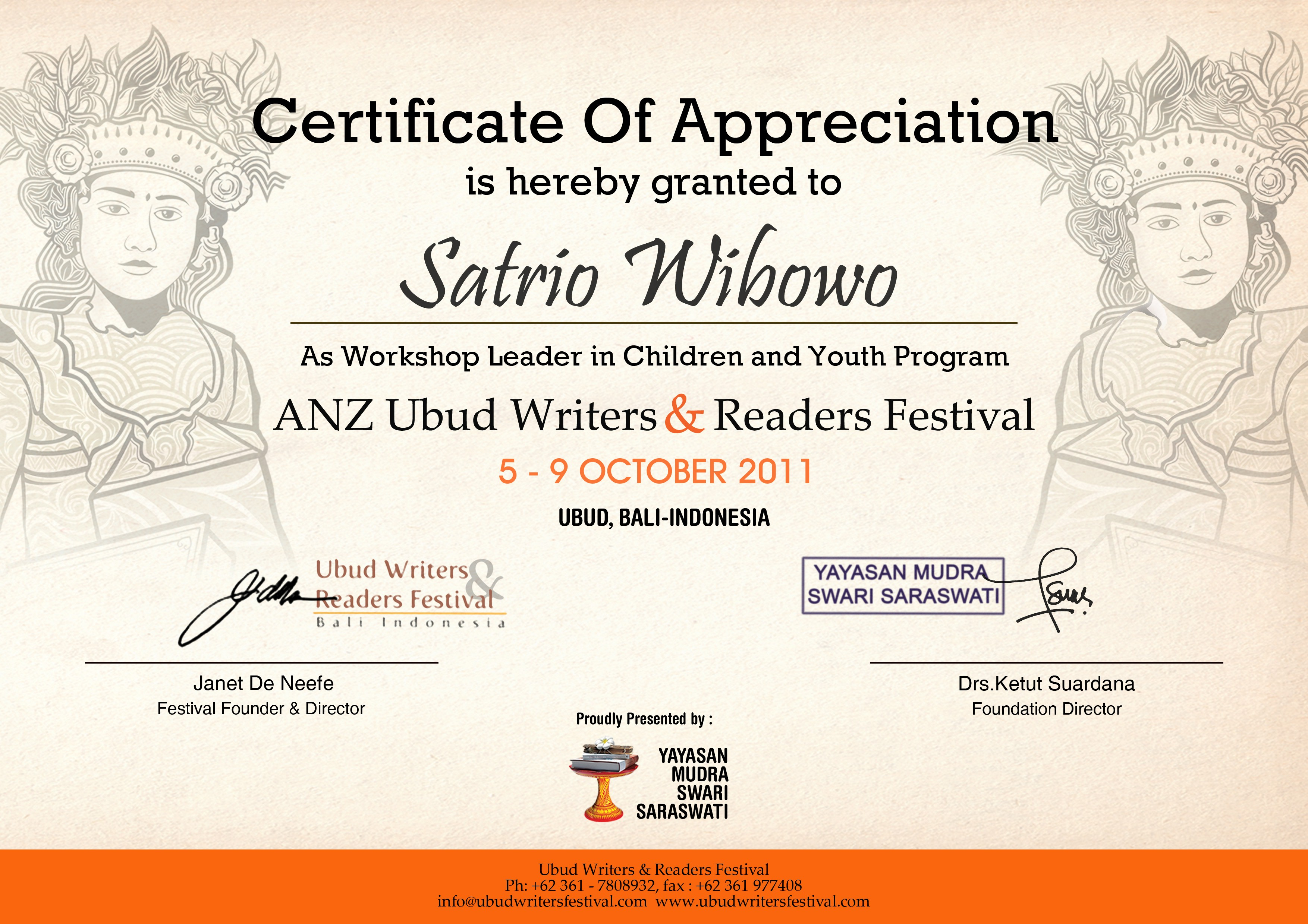 KENANGAN MENDAMPINGI SATRIO WIBOWO DI UBUD WRITERS READERS FESTIVAL 2011 oleh Yeni Sahnaz Kompasiana