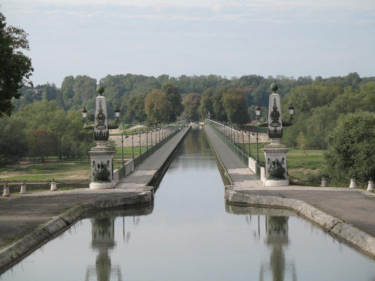Jembatan air di Perancis