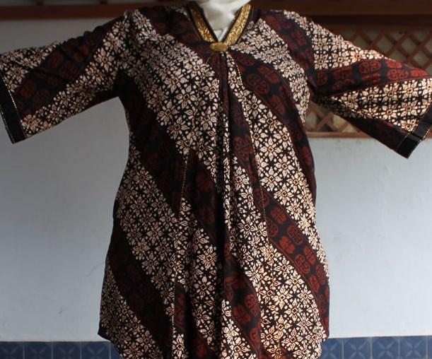 Cara Memilih Model Baju Batik Untuk Wanita Gemuk oleh maspandu ... 8ef5e2ce19