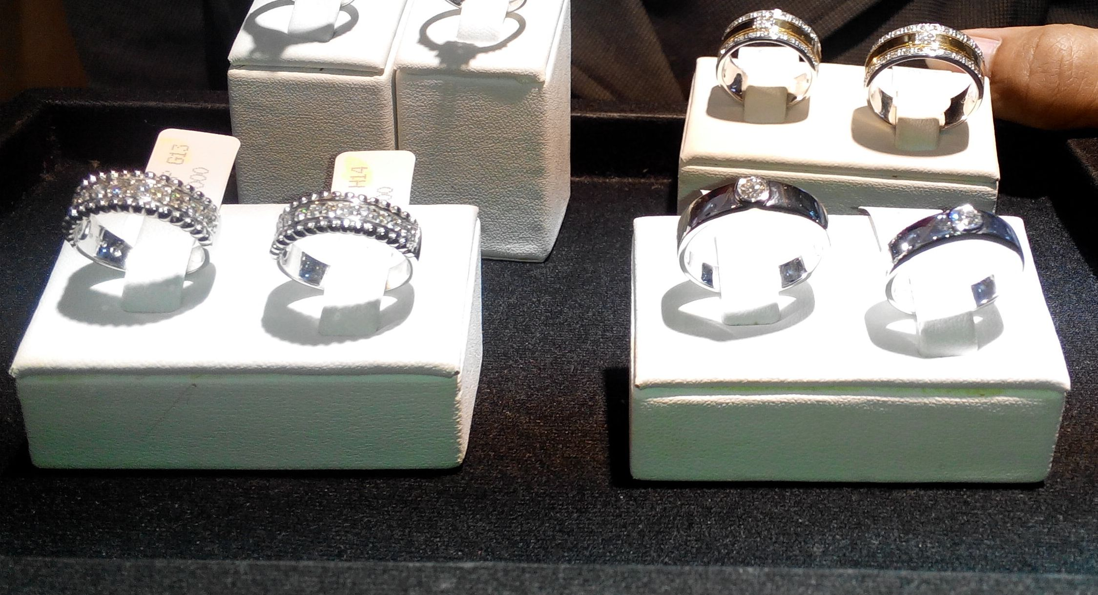 Wedding Ring Julia Jewelry Simple Elegant dan Modern oleh Early
