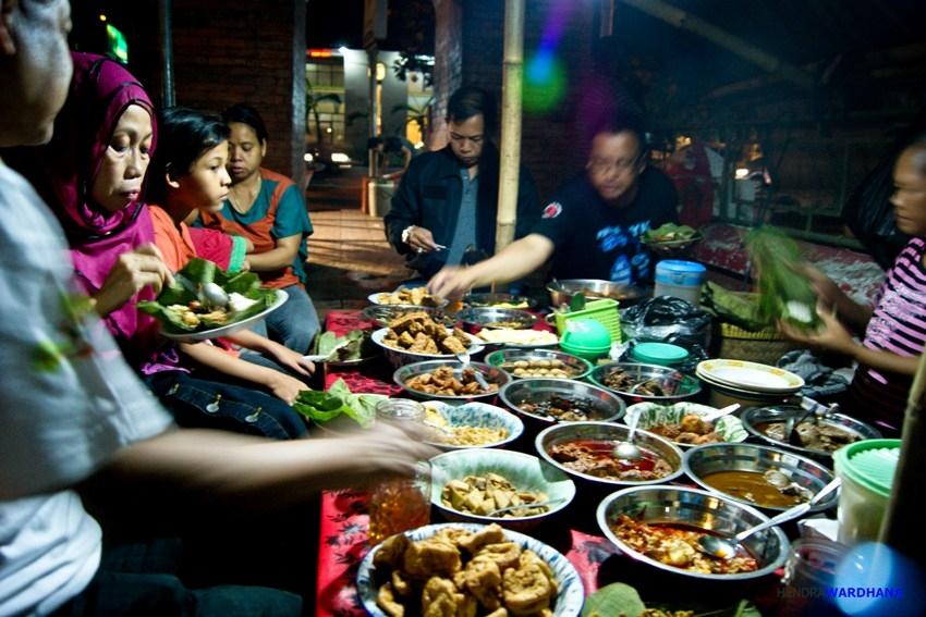 Kuliner Cirebon Yang Bikin Susah Move On Halaman 1 Kompasiana Com
