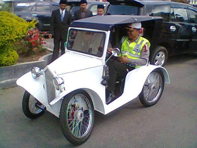 Anggota Polisi Modifikasi Sepeda Motor Jadi Austin 1926 Halaman All Kompasiana Com
